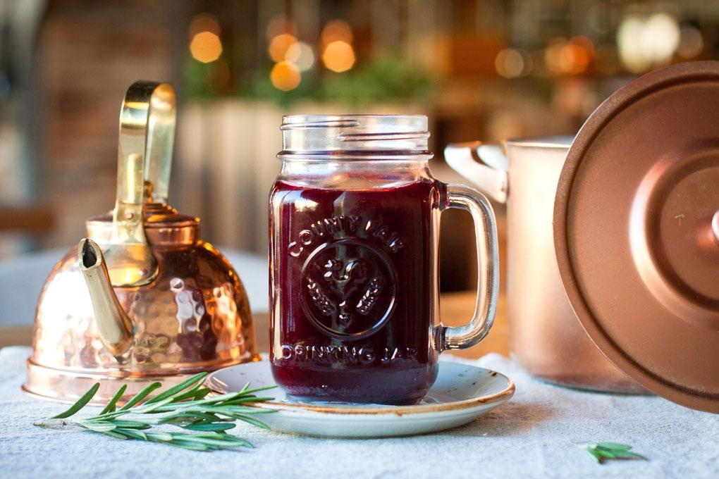 «Лакки Лучано» согревает: горячий ягодный чай и глинтвейны