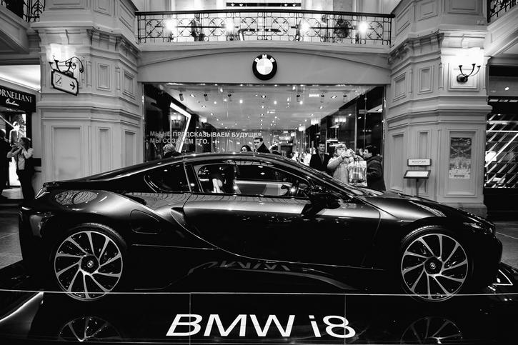 В бутике BMW 7 серии состоялся спецпоказ фильма «Чемпионы: Быстрее. Выше. Сильнее».