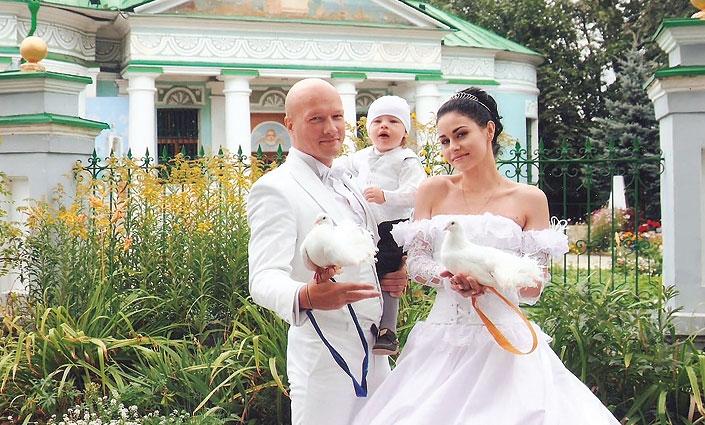 никита панфилов фото с женой и ребенком 2016