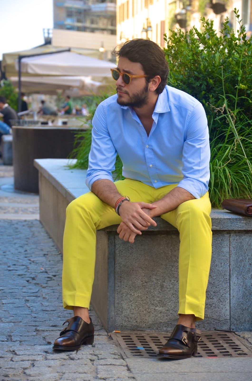 Яркие брюки