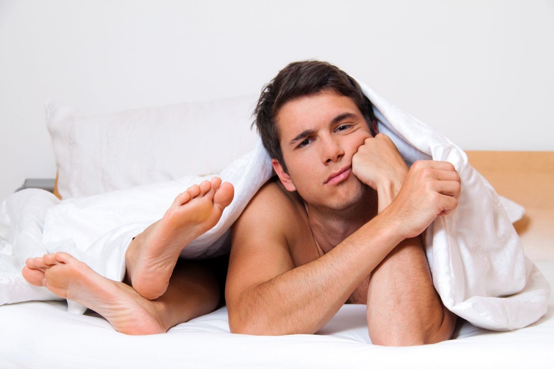 5 очевидных признаков, что девушка – «бревно» в постели