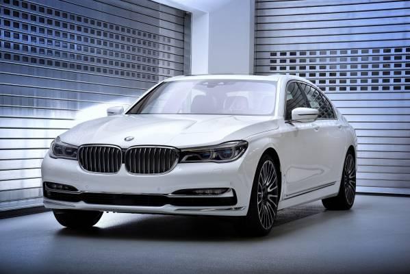 BMW Group представляет две эксклюзивные специальные версии нового BMW 7 серии
