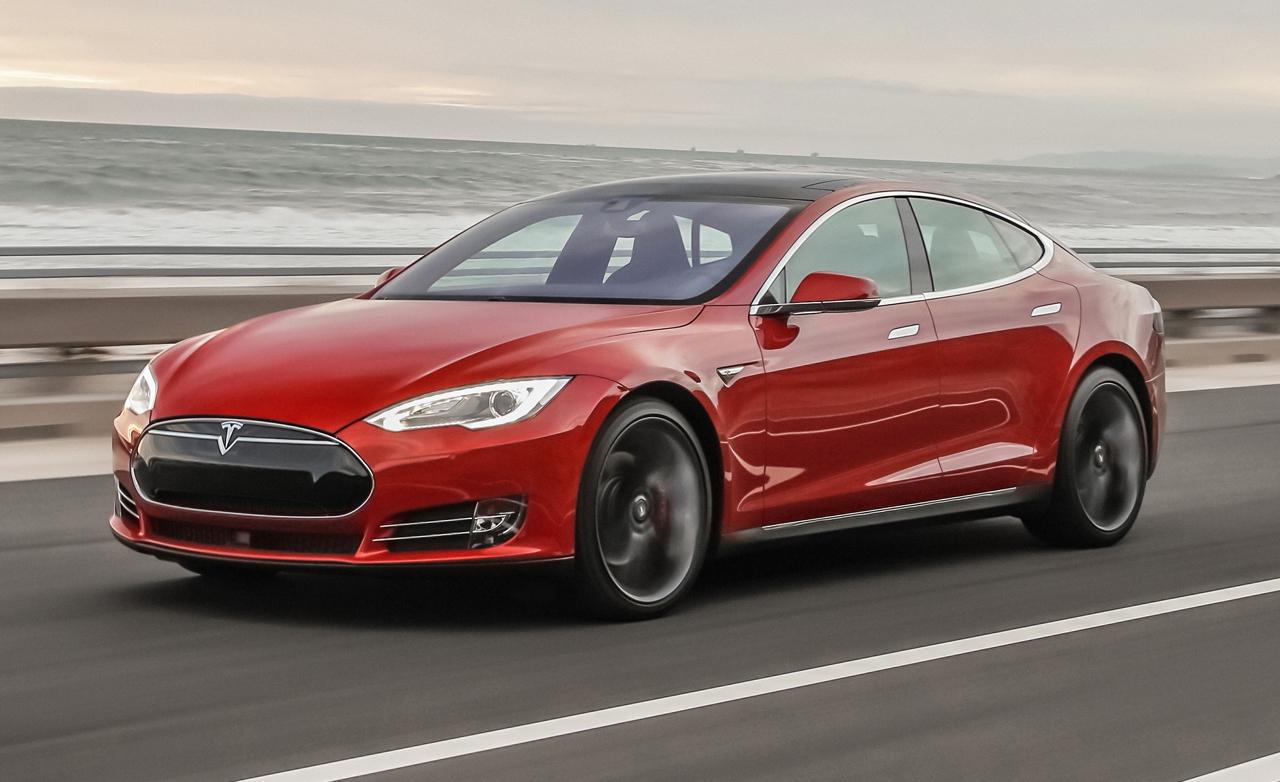 Чем интересен лифтбэк Tesla Model S?