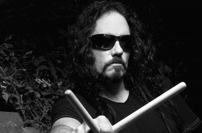 Барабанщик Megadeth умер на сцене