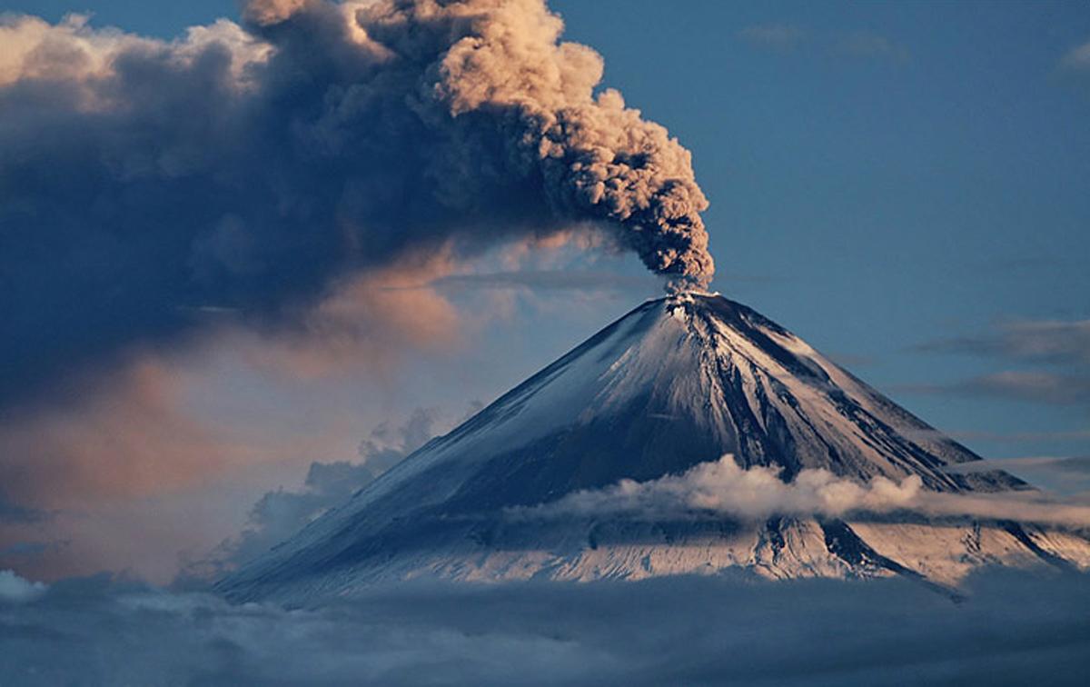 «В преисподней». Вышел трейлер документального фильма Вернера Херцога о вулканах.