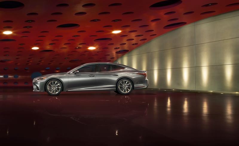 Флагманский седан Lexus LS 500 получил награду EyesOn Design Awards 2017